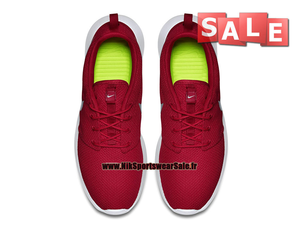 hot sale online ec134 53e61 ... Nike Roshe Run One iD - Chaussure de Nike Sportswear Pas Cher Pour Homme  Rouge ...